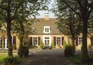 De Essenhof, woonhuis en atelier kunstenaars Adelheid & Huub kortekaas, Winssen gld, architectuur, interieur architectuur, beeldend kunstenaars, 3 Knoppen